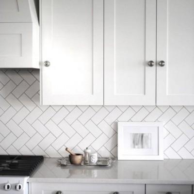 Top 5 tips for tiling a kitchen splashback on a budget