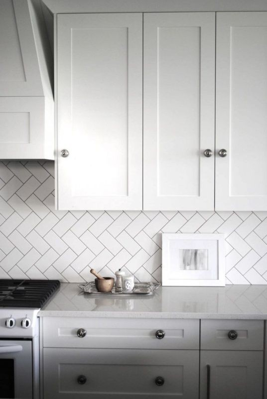 Dark Grouts Give Tile Definition Particularly If You Are Sticking With Our White Wall Theme The Can Make Each Pop