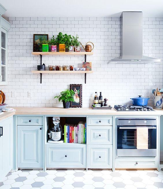Kitchen Shelves Nz: Top 5 Tips For Tiling A Kitchen Splashback On A Budget